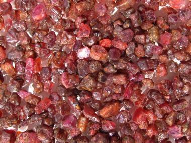 Rubin Kristalle aus Madagaskar, 100 Ct. Rohsteine