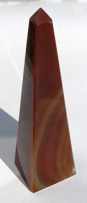 Obelisk aus Karneol Achat. ca 12,3 cm, ca. 178 g.