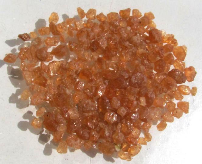 Spessartin Granat, Rohedelsteine aus Tansania, 50 Ct.